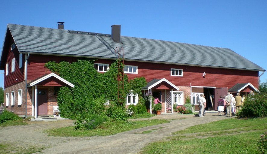 Holiday apartments by lake P�ij�nne- Punainen tupa and Sininen tupa